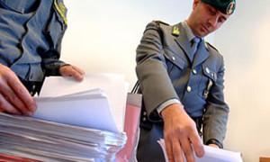 GUARDIA DI FINANZA CONTROLLO DOCUMENTI CONTABILI ISPEZIONE FISCALE